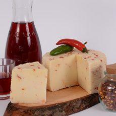 Pecorino con peperoncino della Calabria